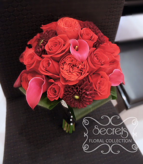 Fresh red garden roses and ecuadorian standard roses burgundy dahlia and fuchsia calla lilies - Red garden rose bouquet ...